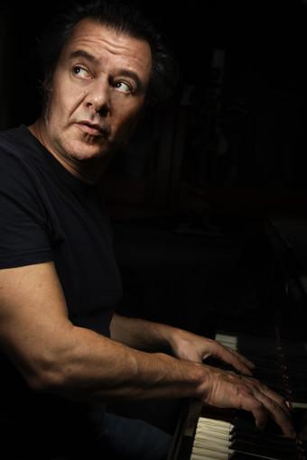 Il cantautore Andrea Giraudo questa sera live al Rive Jazz Club di Vicenza
