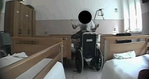 """Cortemilia, botte e percosse sugli anziani dell'Ipab Ospedale """"Santo Spirito"""": tre dipendenti del ricovero sottoposti a misure cautelari (VIDEO)"""