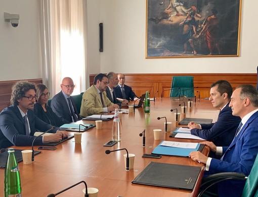 Nell'immagine del luglio scorso l'incontro romano tra Cirio, l'assessore Gabusi e il ministro Toninelli