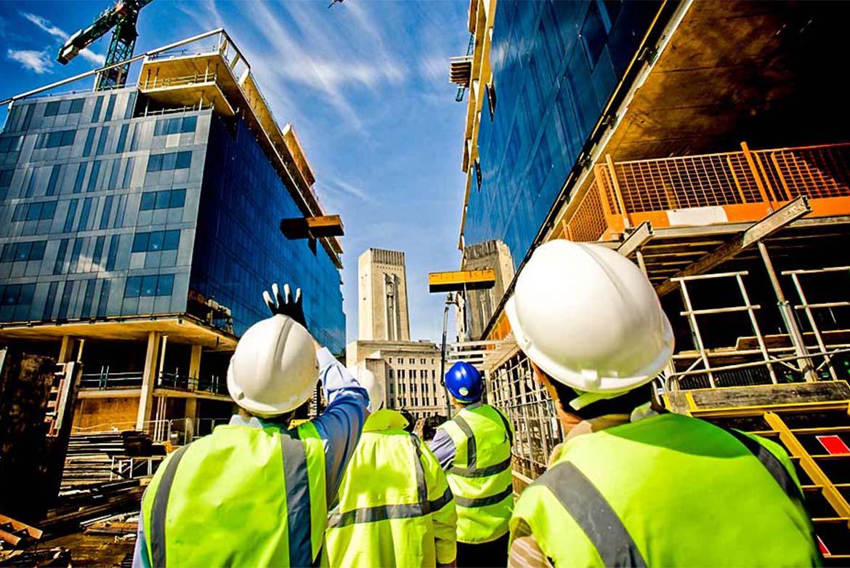 Gru e attrezzature, l'edilizia in crisi