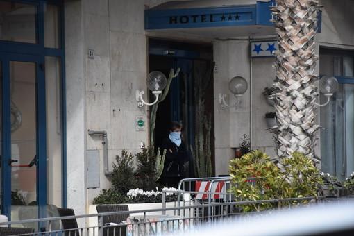 Coronavirus, cresce la tensione all'interno degli hotel di Alassio in quarantena [VIDEO]