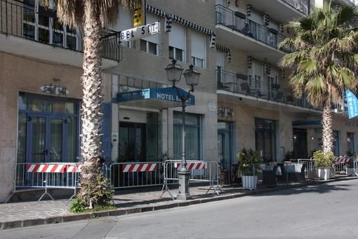 Coronavirus: intervista ad un cameriere dell'hotel di Alassio in quarantena dopo un caso di contagio [VIDEO]