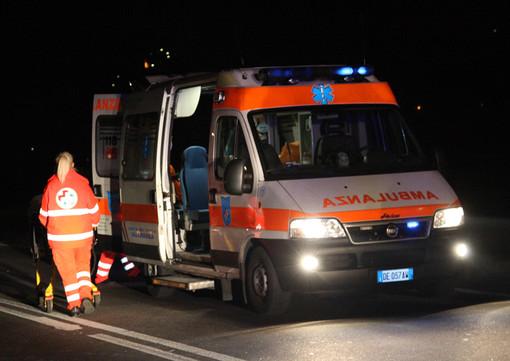 Incidente sull'autostrada Asti-Cuneo per automobile contromano: quattro feriti
