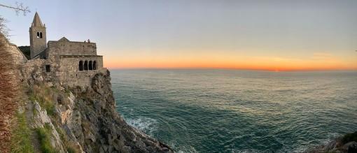 Dal mare all'entroterra, dallo sport al cibo: in Liguria un ventaglio di esperienze possibili a portata di click