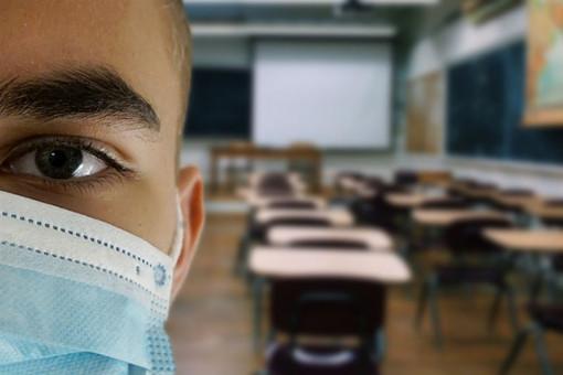 A scuola con la mascherina