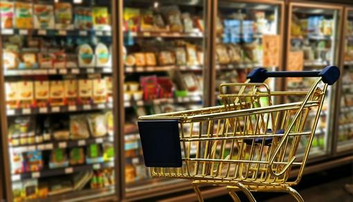 Oggi in Piemonte supermercati aperti. Il Tar ha sospeso l'ordinanza di Cirio