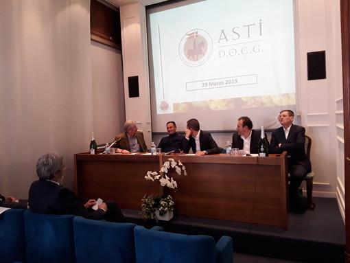 """Un tricolore nel nome del """"Born in Italy"""": il Consorzio Asti docg rilancia i progetti export"""