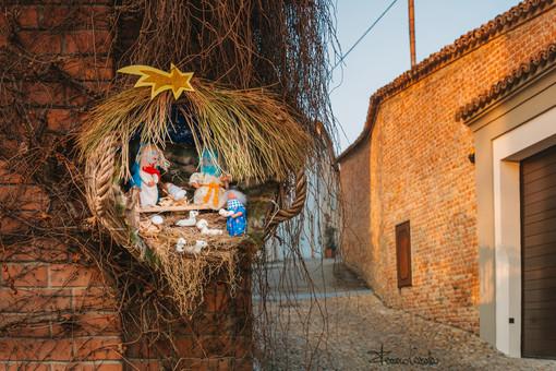 A Castagnole Lanze i presepi sono fatti con i materiali del territorio