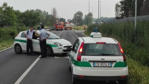 Traffico in tilt, in corso Casale, per un camion ribaltatosi sulla carreggiata