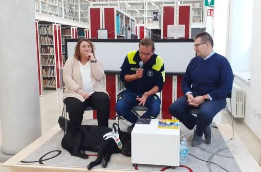 """""""L'universo del cane guida"""" raccontato nell'ambito di un incontro in Biblioteca"""