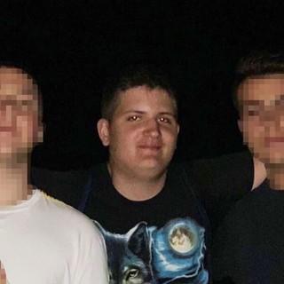 Andrea Borgogno, al centro nella foto. Aveva compiuto i 18 anni soltanto giovedì