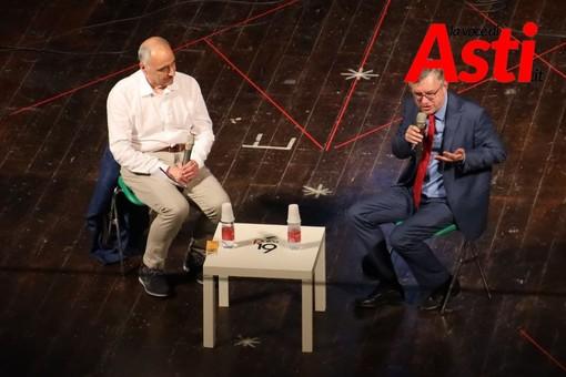 Alessandro Barbero e Alberto Banaudi sul palco di Passepartout