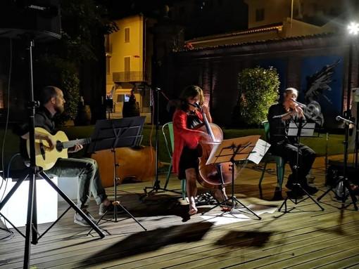 """Domenica a Castagnole Monferrato il concerto della vendemmia con """"Simona Colonna trio"""""""