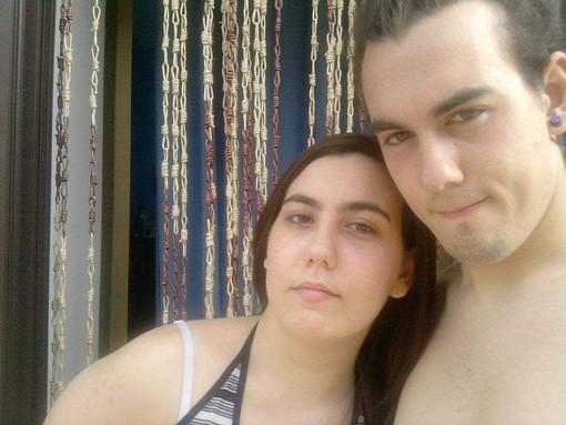 Emanuel con la sorella Chiara