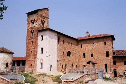 Il Salone del Libro di Torino arriva fino al Castello di Corveglia, fra storia e poesia