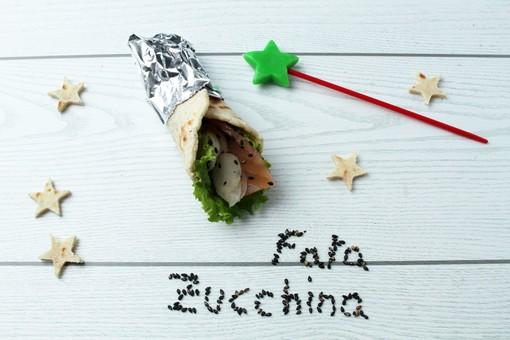 Felici & Veloci, la nuova ricetta di Fata Zucchina: 'kebab di asparagi e salmone'