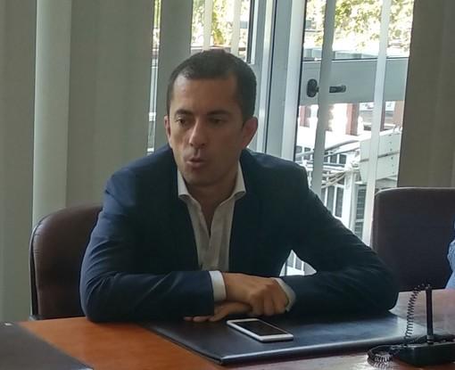 L'assessore Gabusi, già sindaco di Canelli e presidente della Provincia di Asti, ritratto nel corso di una conferenza stampa della scorsa estate
