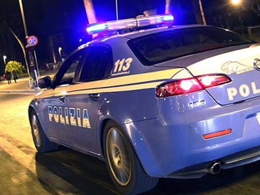 Pregiudicato ventiduenne ubriaco tenta di sfuggire all'alt intimatogli dalla Polizia