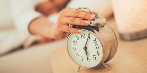 Sabato notte torna l'ora legale: dormiremo un'ora in meno ma avremo giornate con più luce