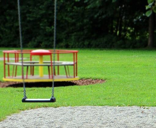 Ad Asti riaperti i parchi giochi ma non le piattaforme sportive (campi da calcio, calcetto, basket…)