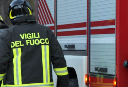 Mombercelli: prende fuoco officina sulla statale