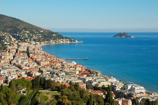 La città di Alassio è pronta ad accogliere a braccia aperte i turisti in totale sicurezza per un'estate meravigliosa
