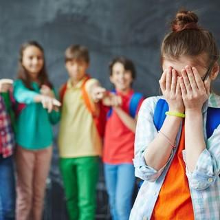 Gli studenti astigiani saranno 'protagonisti' di un convegno online su bullismo e cyberbullismo