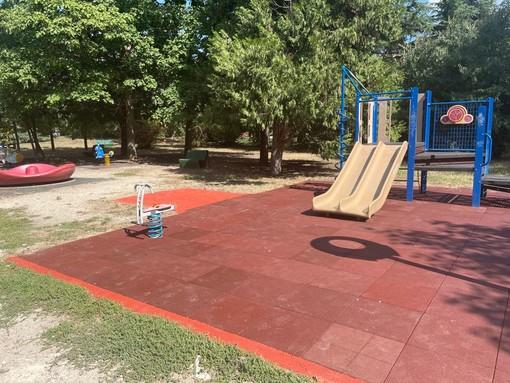 Il parco Bramante ha le sue nuove giostrine. Terminati i lavori di manutenzione