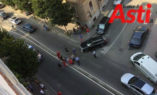 Le fotografie dei soccorsi, inerenti l'incidente avvenuto in corso Dante, sono state opacizzate per non rischiare di urtare la sensibilità dei lettori