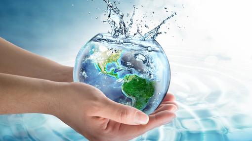 """Fridays for Future Asti: """"Entro il 2080 l'acqua disponibile sarà dimezzata. Non possiamo sorvolare su questi temi"""""""