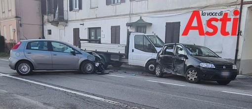 Incidente con feriti, in tarda mattinata, tra due auto e un furgone in località Sessant