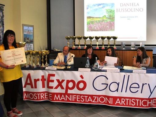 """Un'artista annonese è stata premiata nell'ambito del """"Trofeo Artista dell'Anno 2020"""""""