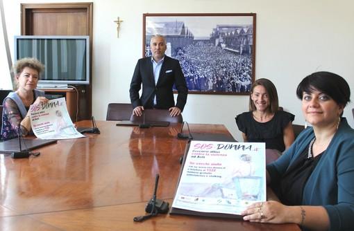 Il vicepresidente Carosso con Silvana Nosenzo di Agar (a sinistra), gli avvocati Rosa Gligora e Francesca Maccario dell'Orecchio di Venere