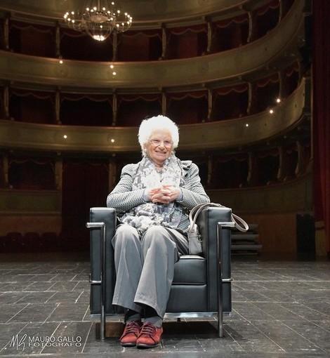 La Senatrice a Vita ritratta ad Alba, in occasione della consegna del Tartufo dell'Anno