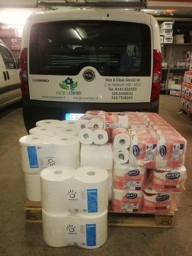Per la scuola Parini, grazie a raccolte fondi, circa 40 litri di disinfettante e 436 rotoli di carta igienica
