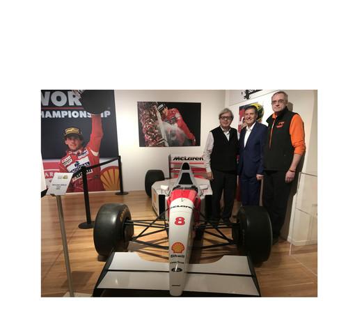 Sorpresa alla mostra su Ayrton Senna. Arriva Vittorio Sgarbi