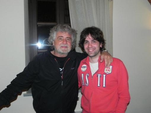 Unn giovane Paolo Romano con Beppe Grillo