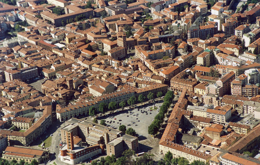 Piazza Alfieri Asti (Foto Osservatorio del Paesaggio)