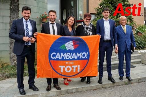 I responsabili astigiani con gli Onorevoli Ruffino e Napoli (servizio fotografico di Efrem Zanchettin - Merfephoto)