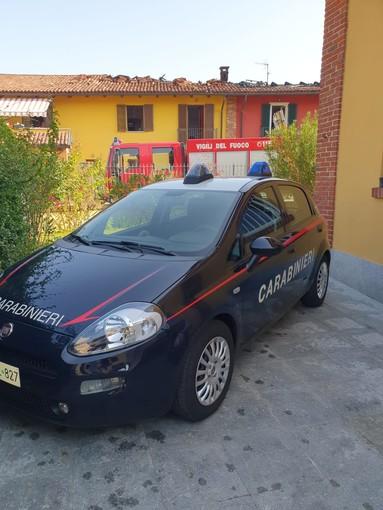 Auto prende fuoco a Buttigliera d'Asti. Tre case coinvolte