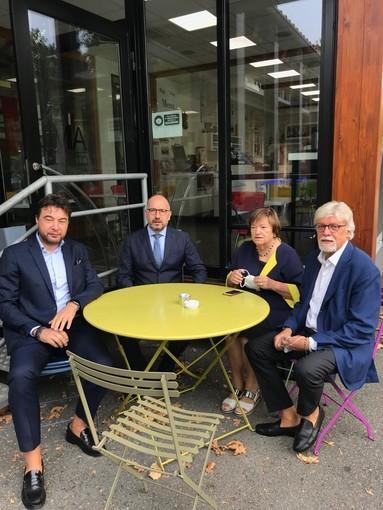 Nella foto, partendo da sinistra: Andrea Visconti (presidente di Confesercenti), il sindaco Maurizio Rasero, l'assessore Mariangela Cotto, Claudio Bruno (direttore Confcommercio)