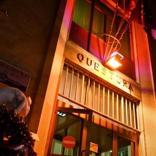 Anche la Questura di Asti si illumina di arancione contro la violenza di genere