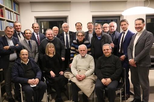 I soci fondatori alla firma dell'atto notarile, avvenuta ad Alba nello scorso febbraio (Foto Silvia Muratore)