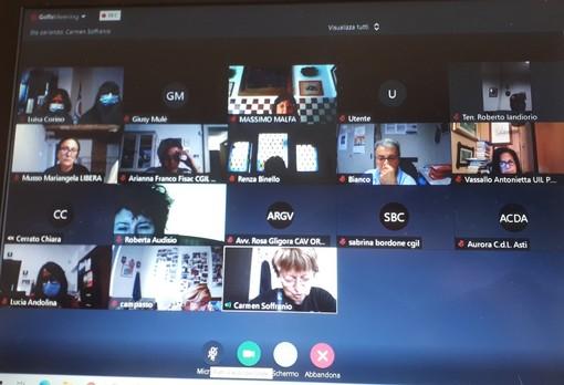 Un momento del meeting online