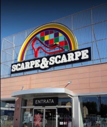 """""""Scarpe & Scarpe"""" chiede il concordato preventivo: a rischio 1.800 posti di lavoro in 153 punti vendita (uno dei quali ad Asti)"""