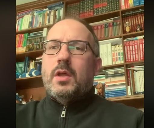 Un fermo immagine tratto dal video postato dal sindaco