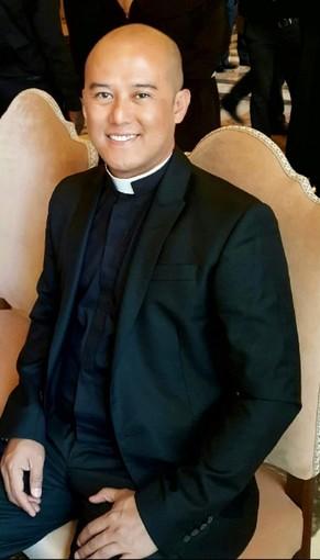 Padre Benjie Calangi sabato sarà ordinato sacerdote