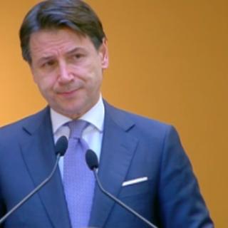 """""""Fase 3"""", il premier Conte in conferenza stampa: """"Stiamo lavorando al piano di rinascita Italia per rilanciare il Paese dalle fondamenta"""""""