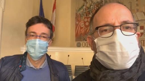 Il dott. Messori Ioli e il sindaco Rasero in un fermoimmagine della diretta