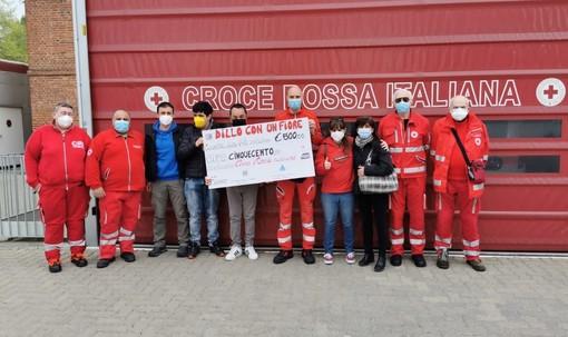 Consegna raccolta fondi alla Croce Rossa